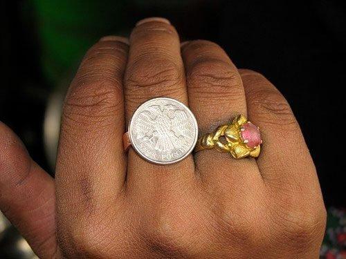 Неразменная монета в виде кольца