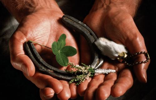Обряды в полнолуние на исполнение желания, ритуалы на деньги, успех