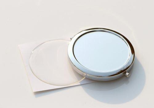 Карманное зеркало