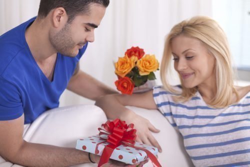 Гадание на месячных: правдивое для женщины на любовь, варианты по времени