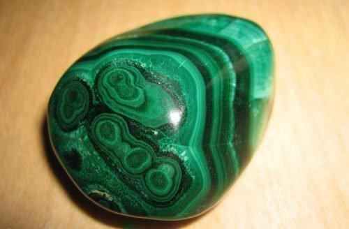 Малахитовый камень