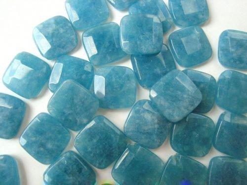 Драгоценные камни аквамарин