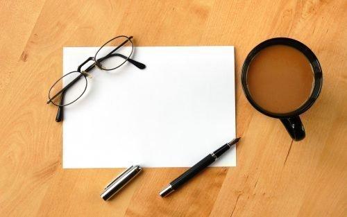 Лист бумаги с ручкой