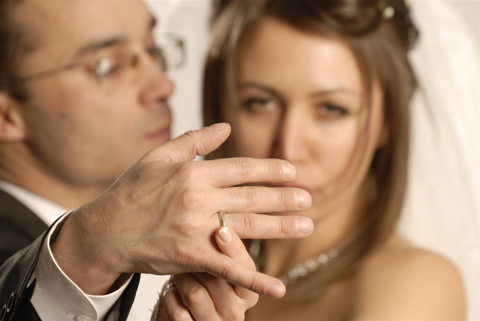 Приворот женатого мужчины на вещь