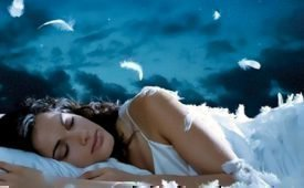 Заговор на воду, чтобы увидеть вещий сон