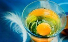 Выкатывание порчи с помощью яйца: как провести ритуал самостоятельно