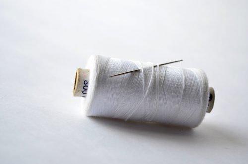 Белая нитка