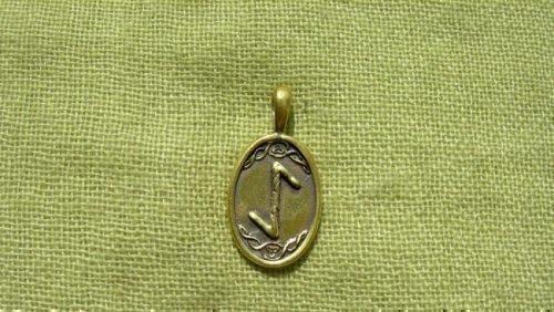 Рунический символ «Эйваз»