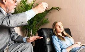 Профессия гипнолог: особенности деятельности