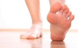 Левая или правая нога чешутся: что говорят приметы