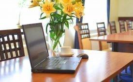 Букет желтых цветов: смысл подарка