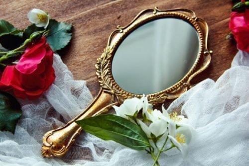 приметы с зеркалом